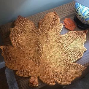 Set of 10 bronze autumn leaf vinyl Placemats